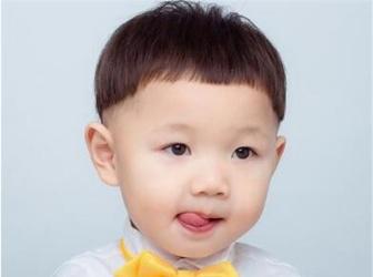2020小男孩短发新发型 潮流炫酷儿童发型图片