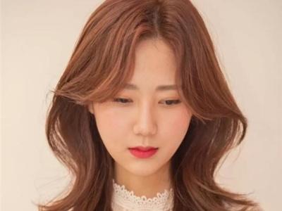 最新流行的韩式发型出炉 今年卷发就选这些