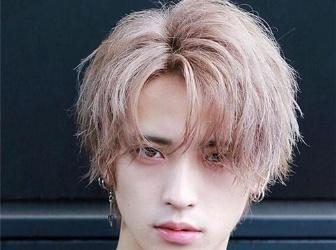 日系空气烫正流行 男生帅气蓬松感发型