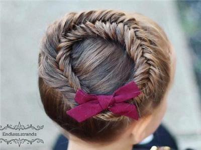 软萌可爱小女孩发型 这样编做漂亮小公主