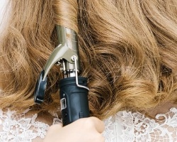 怎么用卷发棒烫梨花头 湿发能用卷发棒吗