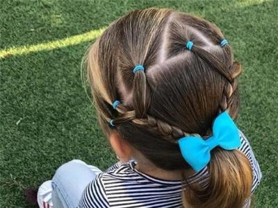 小女孩发型绑扎方法 甜美儿童编发发型图片