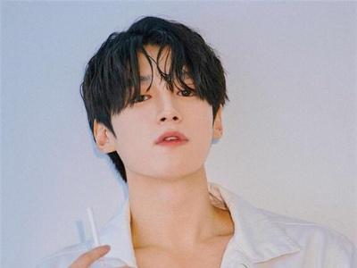清新韩式男生短发 今年流行的帅哥发型