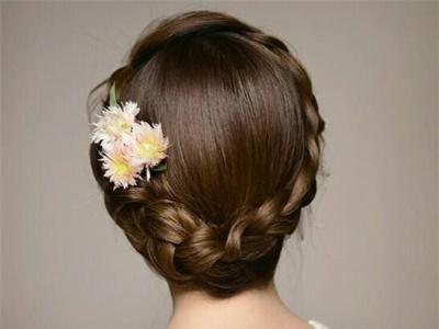 清新韩式新娘盘发 打造唯美独特的新娘