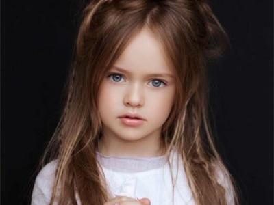 最新流行的小女孩发型 头发这样弄时髦好看