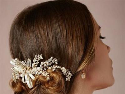 法式浪漫新娘盘发 打造优雅时尚新娘