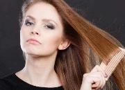 每天梳头发有什么好处 梳头能改善发质吗