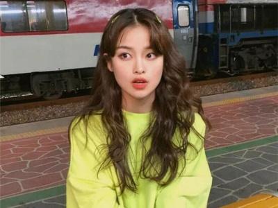 韩式洋气小卷发 淑女范可爱发型
