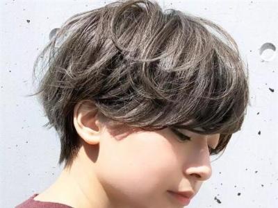 日系露耳短发造型 一招让你显瘦一圈