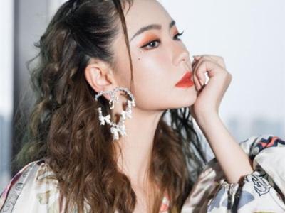 女团风韩式发型 时尚卷发风格百变