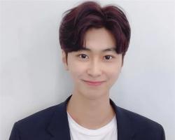 韩式男生潮流短发 心形刘海帅气时髦