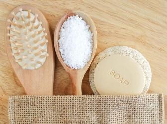粗盐洗头发可以去头皮 自制盐洗发水和使用方法
