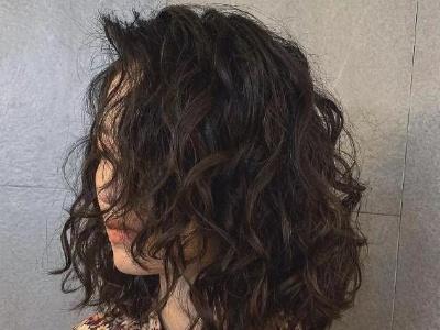适合中短发的烫卷发型 减龄中短卷发让你美翻天