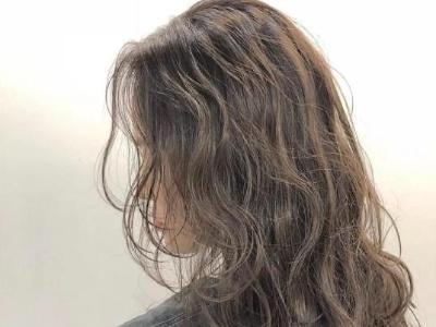 适合长发的慵懒卷发推荐 头发烫一烫拯救发量更好看