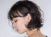 头发油是什么原因引起的?这几点要注意会导致头发越来越油