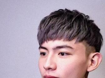 """2021最流行男生短发推荐 随便挑一款都只有一个字""""帅"""""""