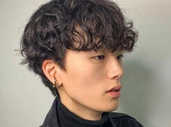 2021时尚男生烫短发推荐 头发不染直接烫帅气爆表