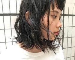 慵懒卷发中长发推荐 时髦洋气凸显发量感