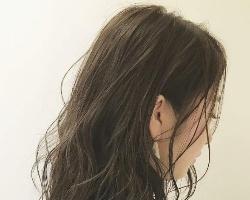 适合中长发的卷发造型 半直半卷谁看了都心动