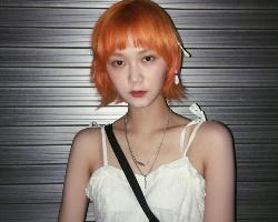 女生特殊发色全攻略:亮橘色是2021大势,灰雾冷色系仙气满分