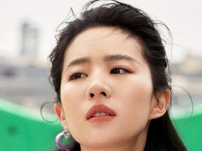刘亦菲再度登上VOGUE封面 大胆演绎冷酷前卫风格
