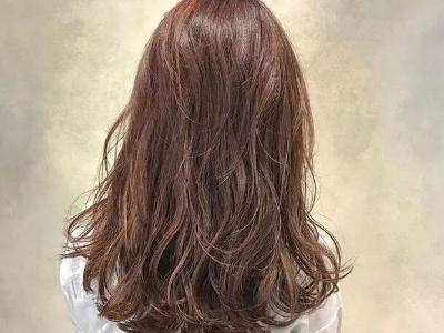 怎么让湿头发快速干 教你三个快速干发的小技巧