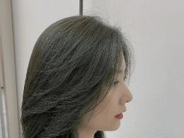 今年流行层次锁骨发 发尾剪一剪瘦脸又减龄