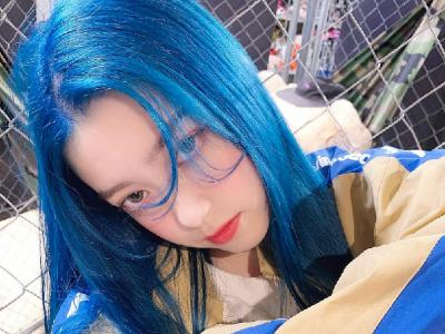 男团女团首选发色 清凉感蓝色染发