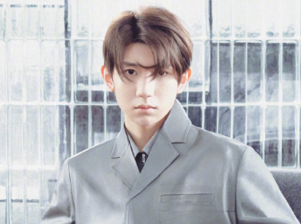 王源禁欲灰色西装 完美诠释简约高级感