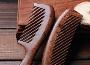 梳子选什么材质的好 不同梳子材质与发质适配攻略