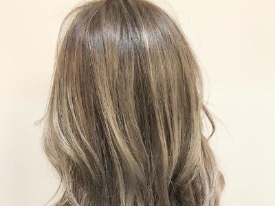 今年流行头发烫一半 换上半烫发只看背影就被美到了