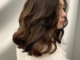 中长卷发有哪些发型 时尚好看的中长卷发造型